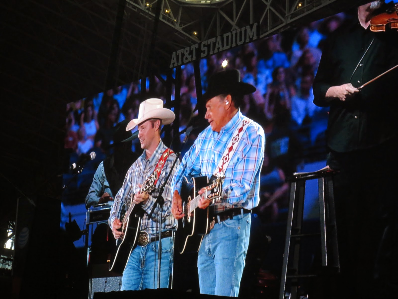 The Cowboy Rides Away tour, Cowboys Stadium