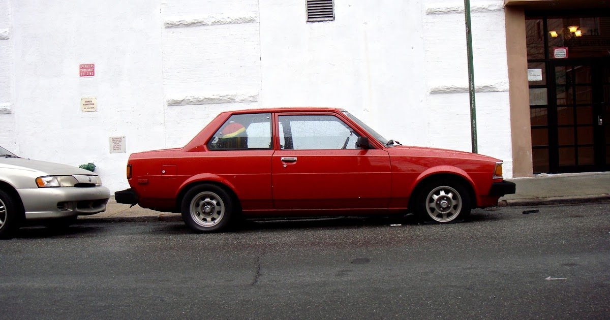 the street peep 1982 toyota corolla 2 door rotary. Black Bedroom Furniture Sets. Home Design Ideas