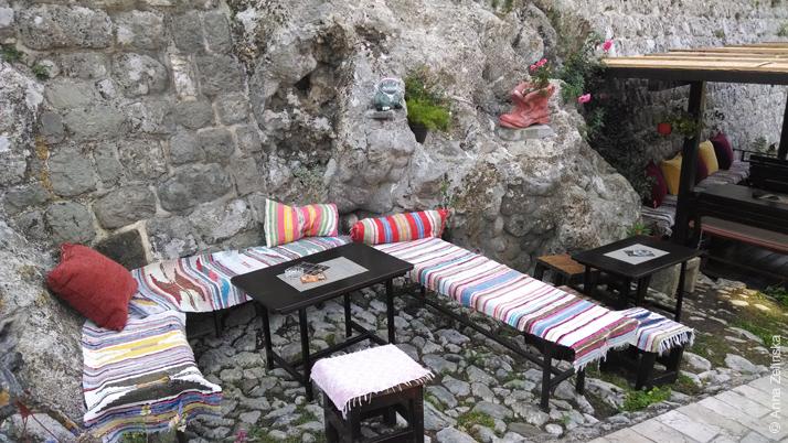 Кафе около Старого Бара, Черногория