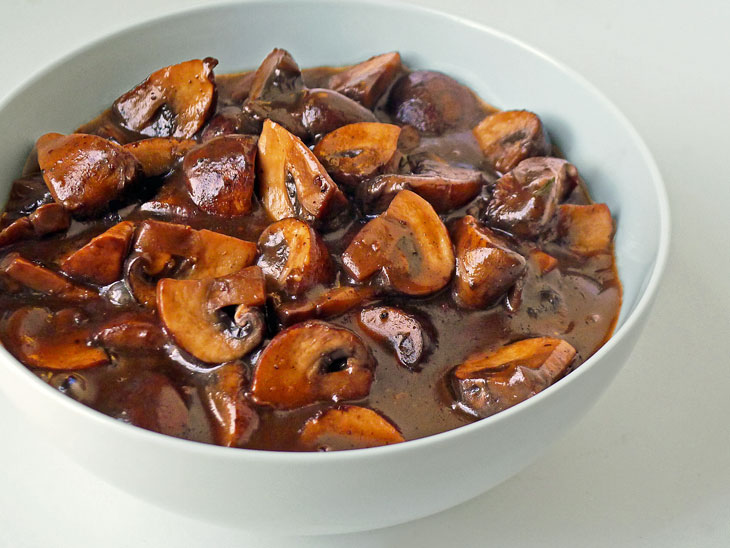 Cooking Weekends: Mushroom & Red Wine Sauce