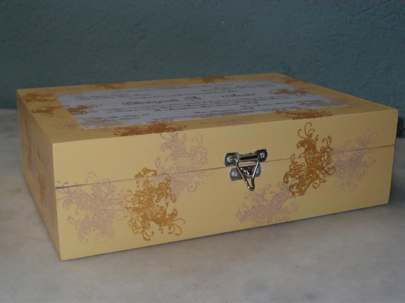 Rosa Biscuit: Caixas de madeira decoradas  Convite de Casamento #684D2F 1600x1200