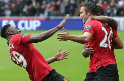Welbeck Van Persie Evra Swansea City v Manchester United 2013 August