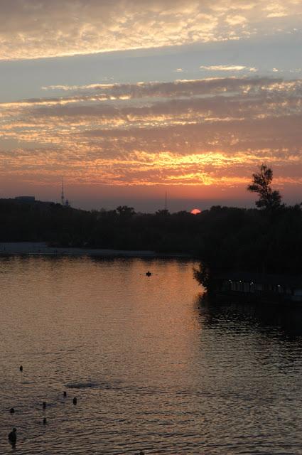 Фото Виталия Бабенко: солнечный закат