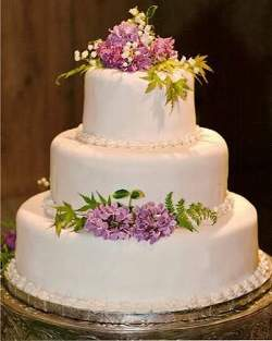 Perfect DIY Wedding Cake Ideas, Tips, Stand | Food and drink