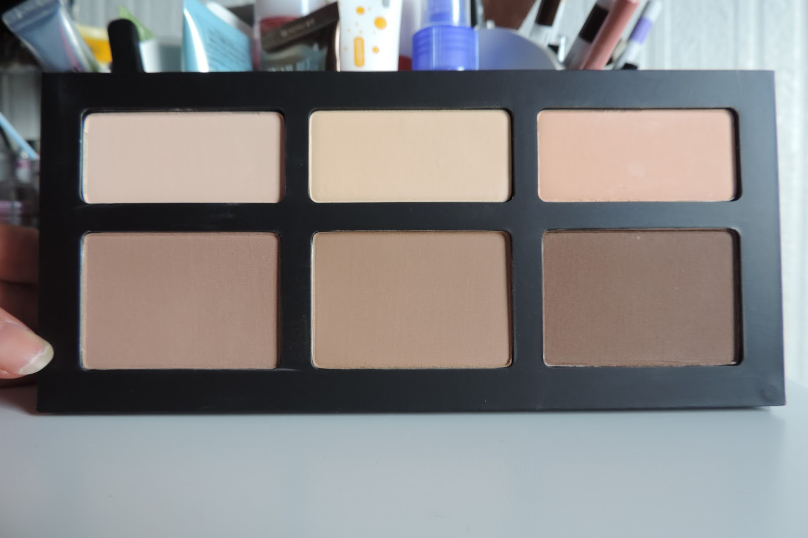 how to look for a good contour shade