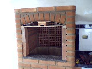 Veja em detalhes como construir uma churrasqueira de alvenaria.