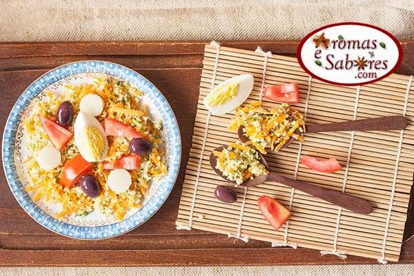 Salada de couscous com palmito e ovos