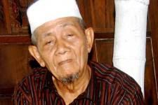 KH Husein Ilyas Mojokerto, Kiai Penuh Karomah yang dekat Keluarga Gus Dur