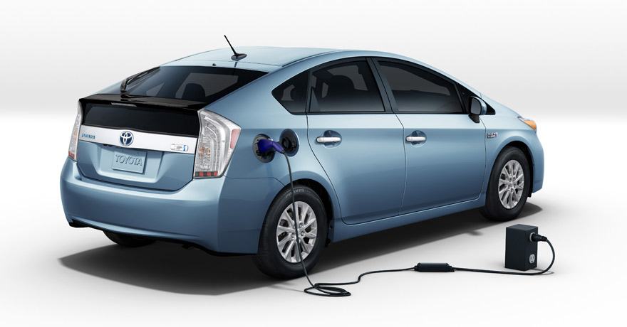 Smart Cars For Smart Peopls Toyota Prius Hybrid 2012