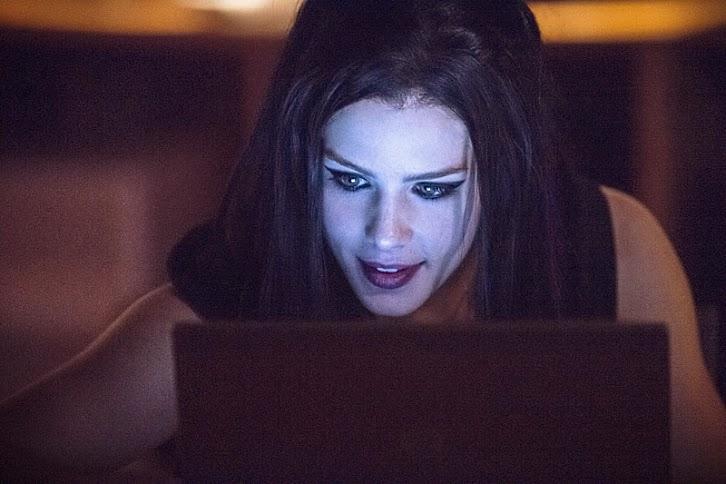 Arrow - Episode 3.05 - The Secret Origin of Felicity Smoak - Full Set of Promotional Photos