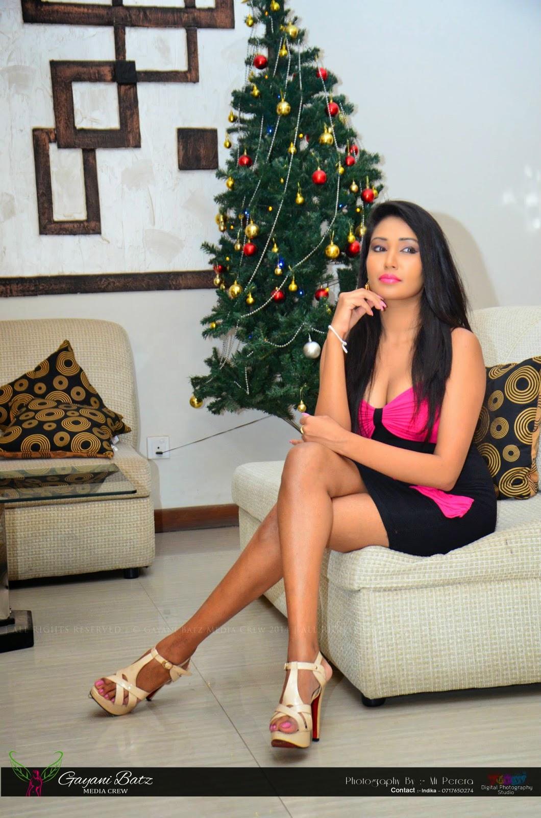 Ashia Dissanayaka crossed legs