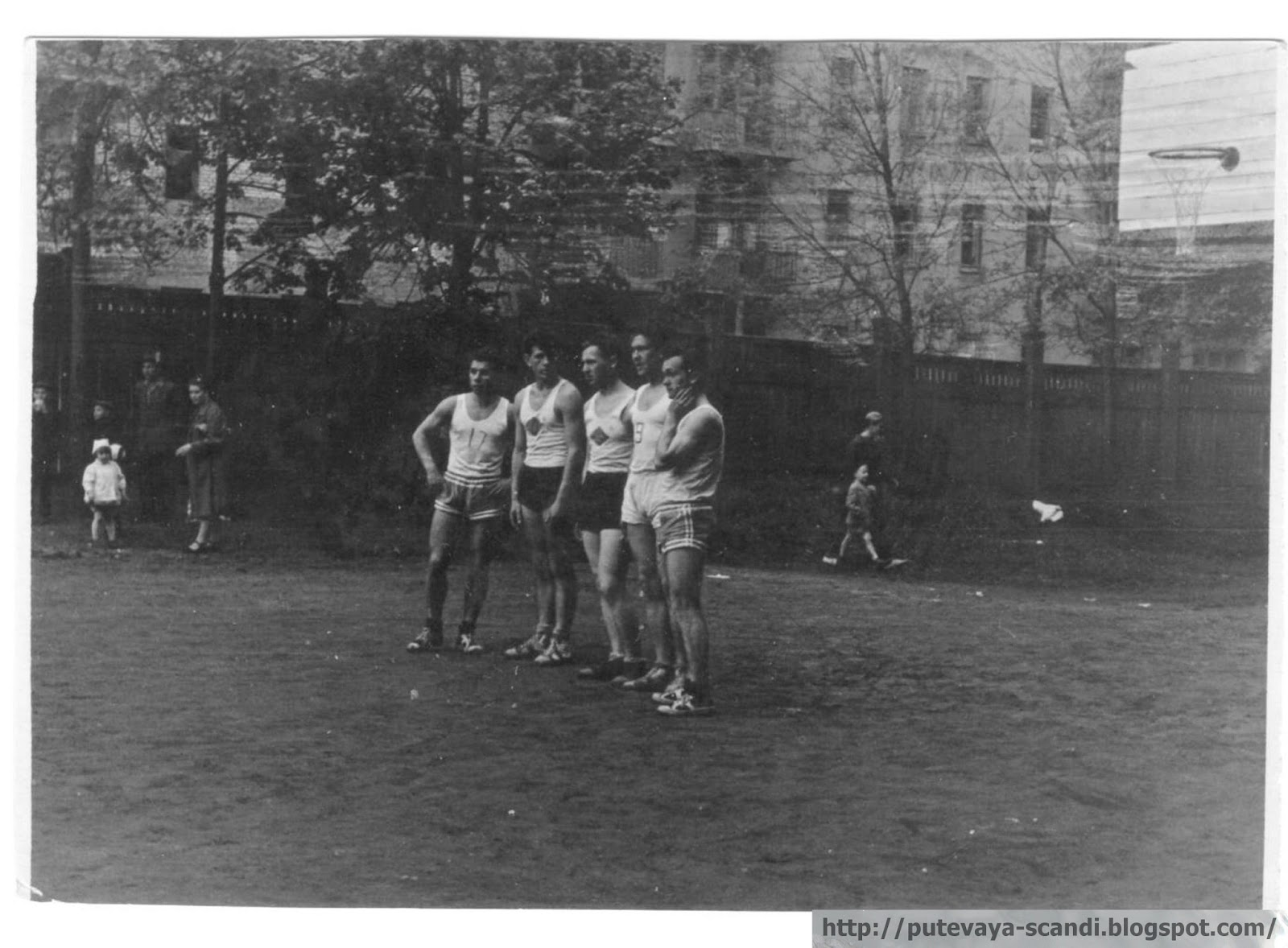 стартовая пятерка, папа - крайний слева (1959 г.)
