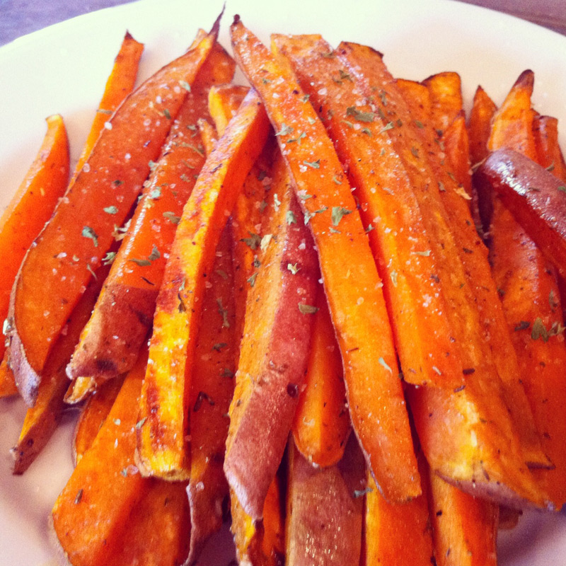 nicswife: monday pick-me-up: sweet potato fries!