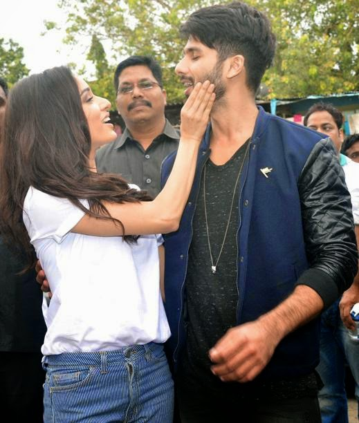 shraddha kapoor kiss to shahid kapoor