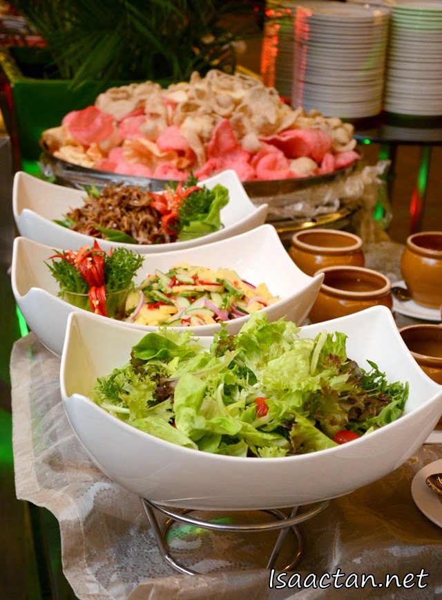 Salad and Asian appetizers to whet your appetite for the mains