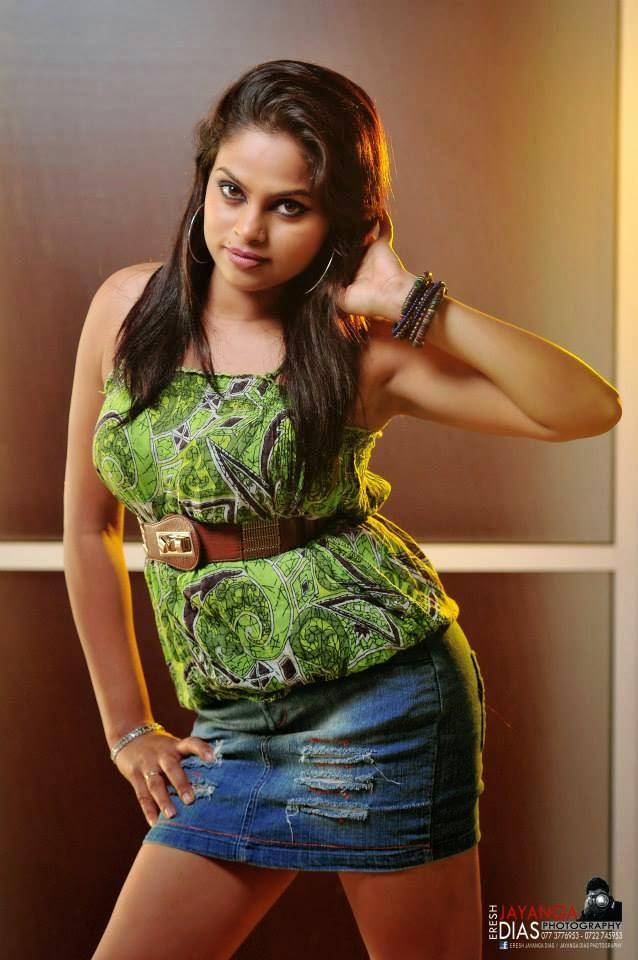 Thanuja Jayasinghe mini skirt