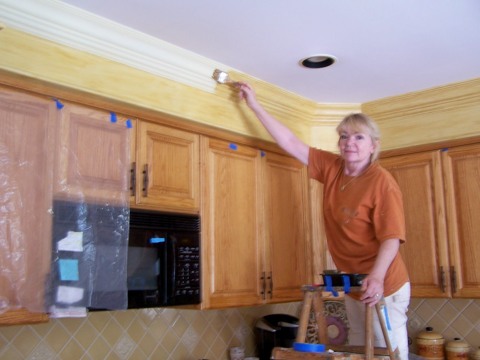 Blogorama for Oak crown molding for kitchen cabinets