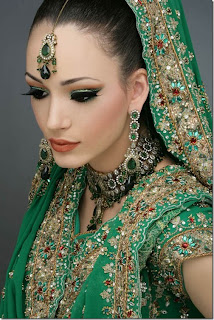 Latest Pakistani Indians & Arabic mehndi design jewelry & dresses ...