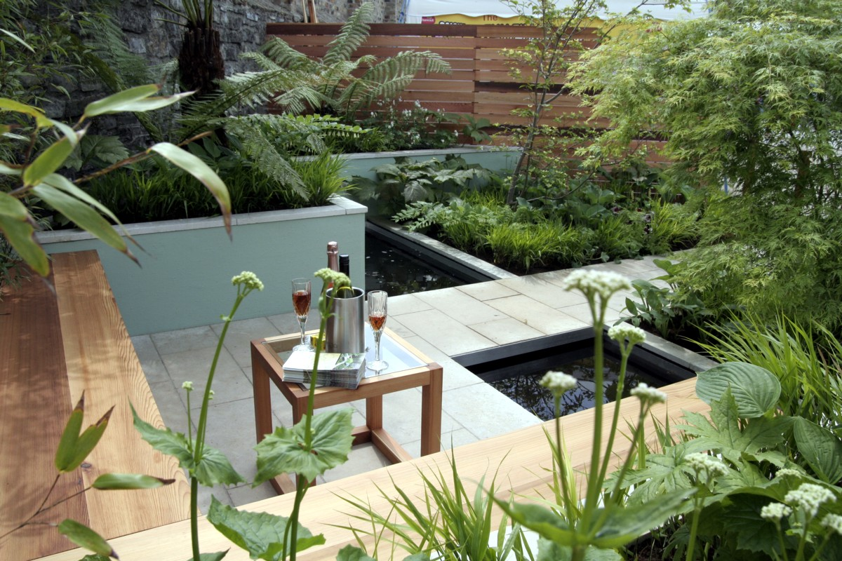 Gardening matters small garden design backyards for Small garden designs photos