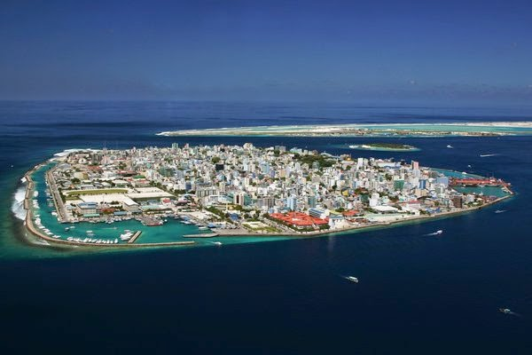 متى وكيف أسلم سكان دولة المالديف؟