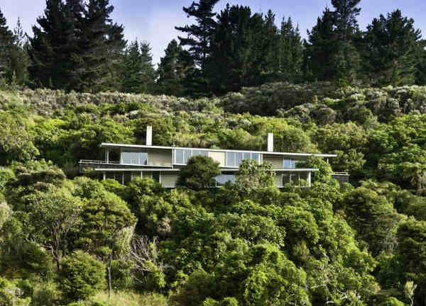 Apple Bay House [Marlborough Sounds, New Zealand]