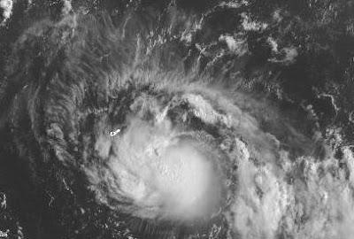 Tropischer Sturm GERT zieht knapp östlich an Bermuda vorbei, 2011, aktuell, Atlantik, Bermudas, Gert, Hurrikansaison 2011, August, Sturmwarnung, Touristen, Vorhersage Forecast Prognose, Zugbahn,
