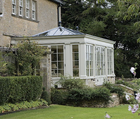 A curious gardener british conservatories and orangeries for Garden design georgian house