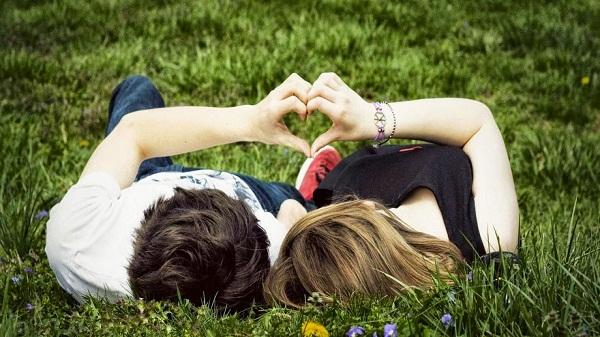 3 Tanda Anda Telah Terjangkit Cinta Buta