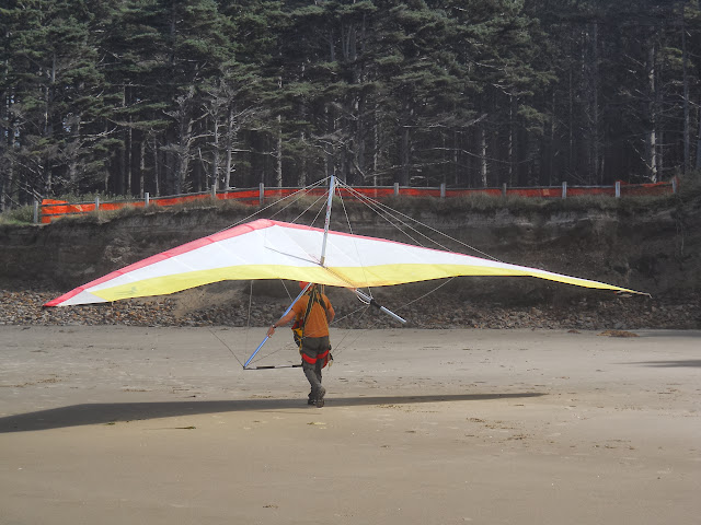 hang glider at Cape Lookout State Park