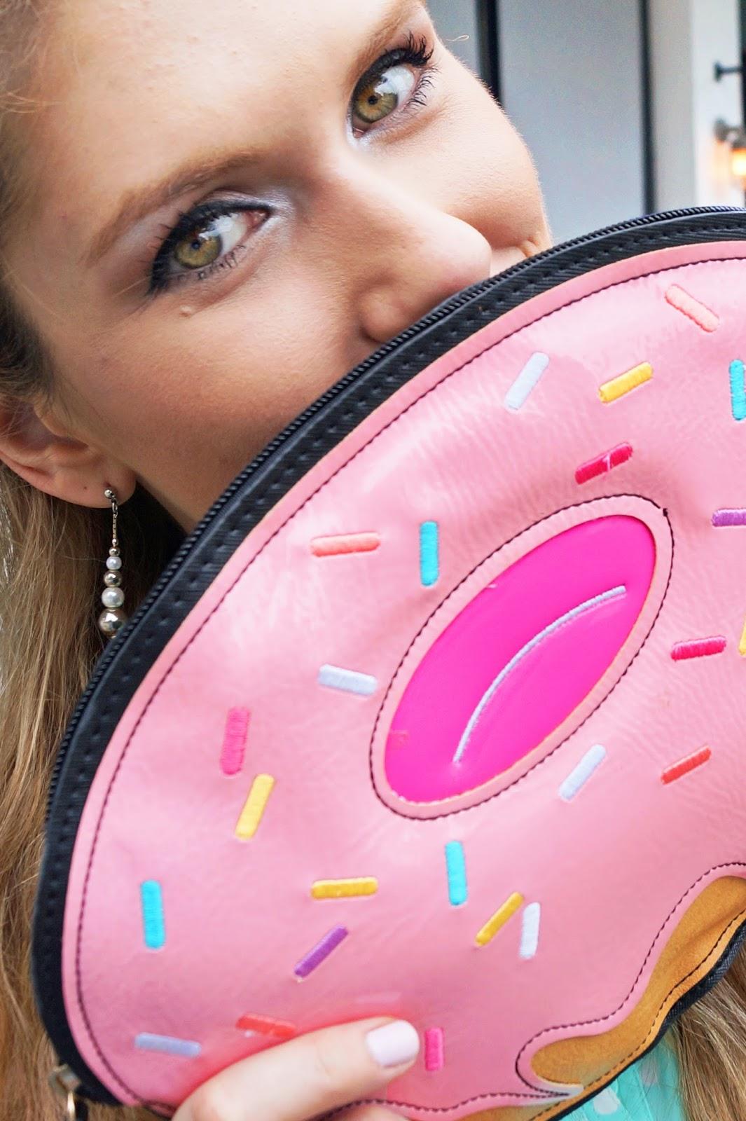 Super Adorable Doughnut Clutch!!