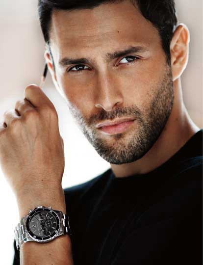 Mai - May 2013: Noah Mills