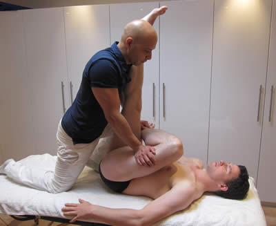 Extremidade Feliz Da Massagem Indiana
