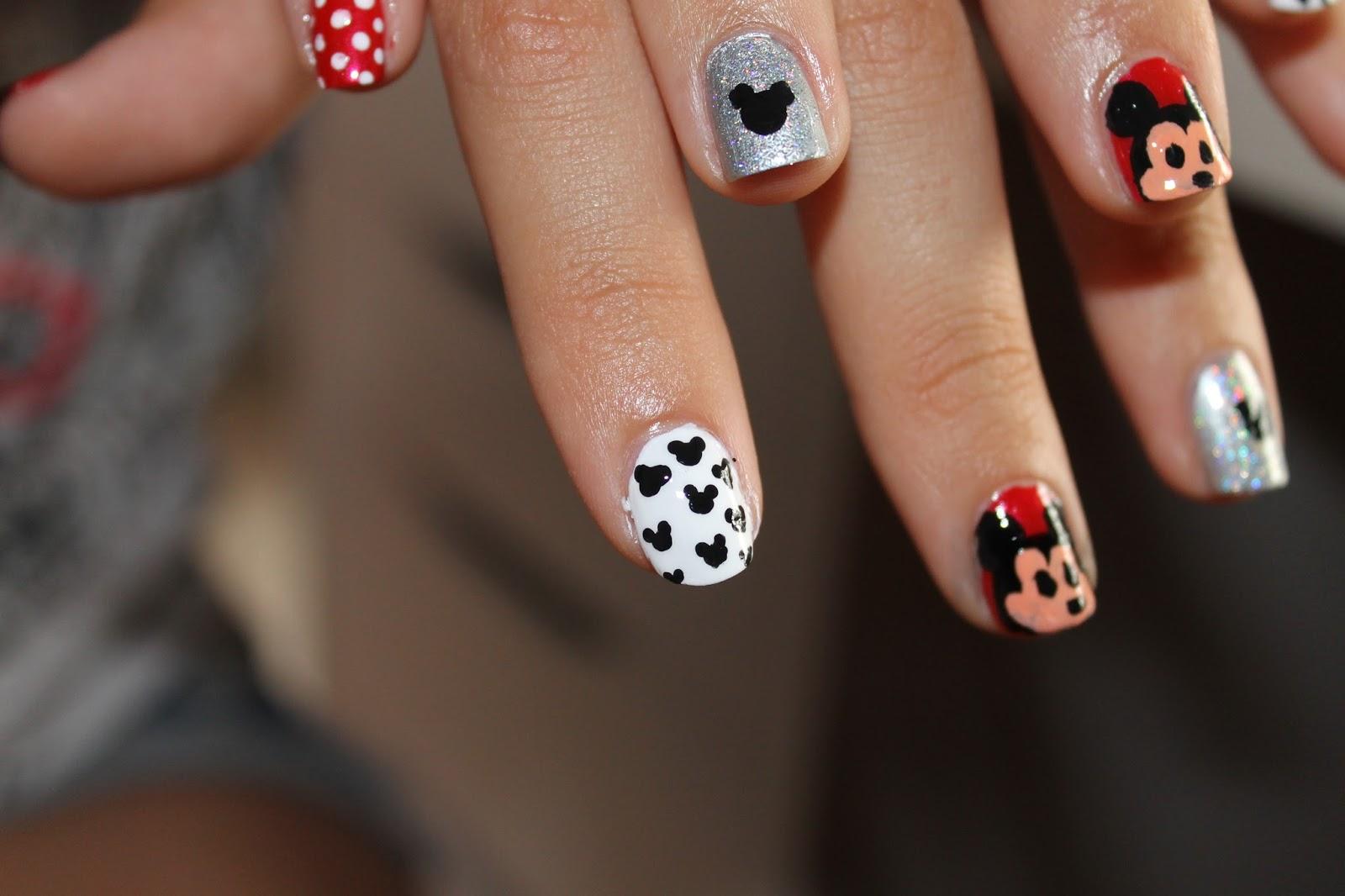 uñas mickey mouse//mickey mouse nails | Las Cosas de Lydia