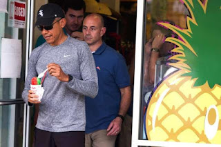 President Obama Looks Happy As He Plays Golf During New Year Holiday (Photos)