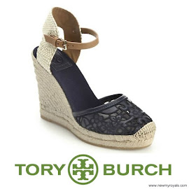 Queen Maxima Style TORY BURCH Wedge