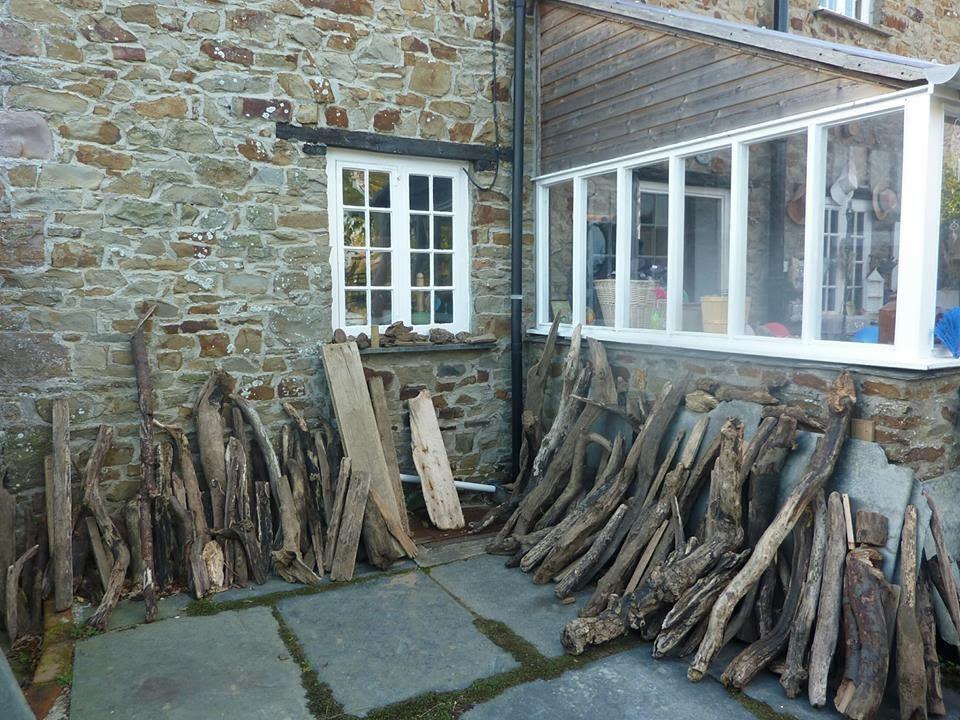 drewniane figury Lynn Muir czyli co można zrobić z  kawałków drewna