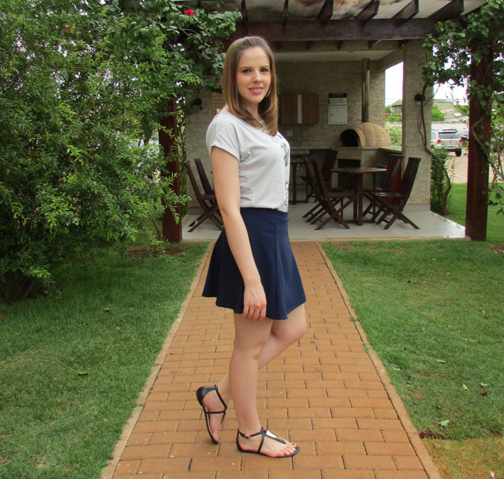 Look do dia, camiseta, saia, rasteirinha