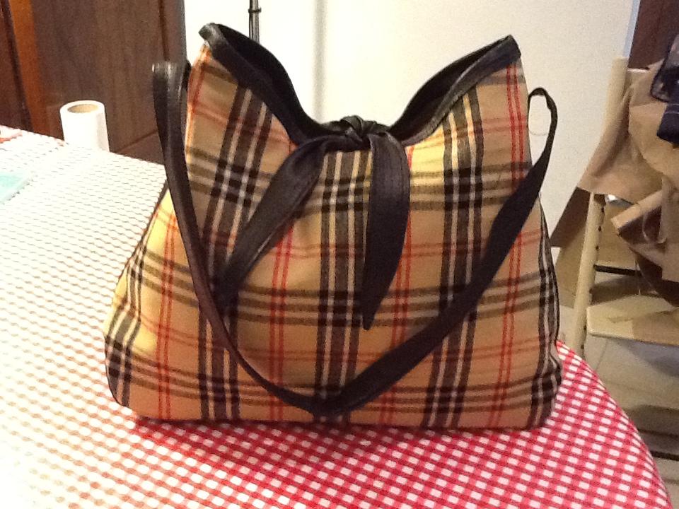 Ben noto Scuola di cucito: Cartamodello gratuito borsa Jackie VV18