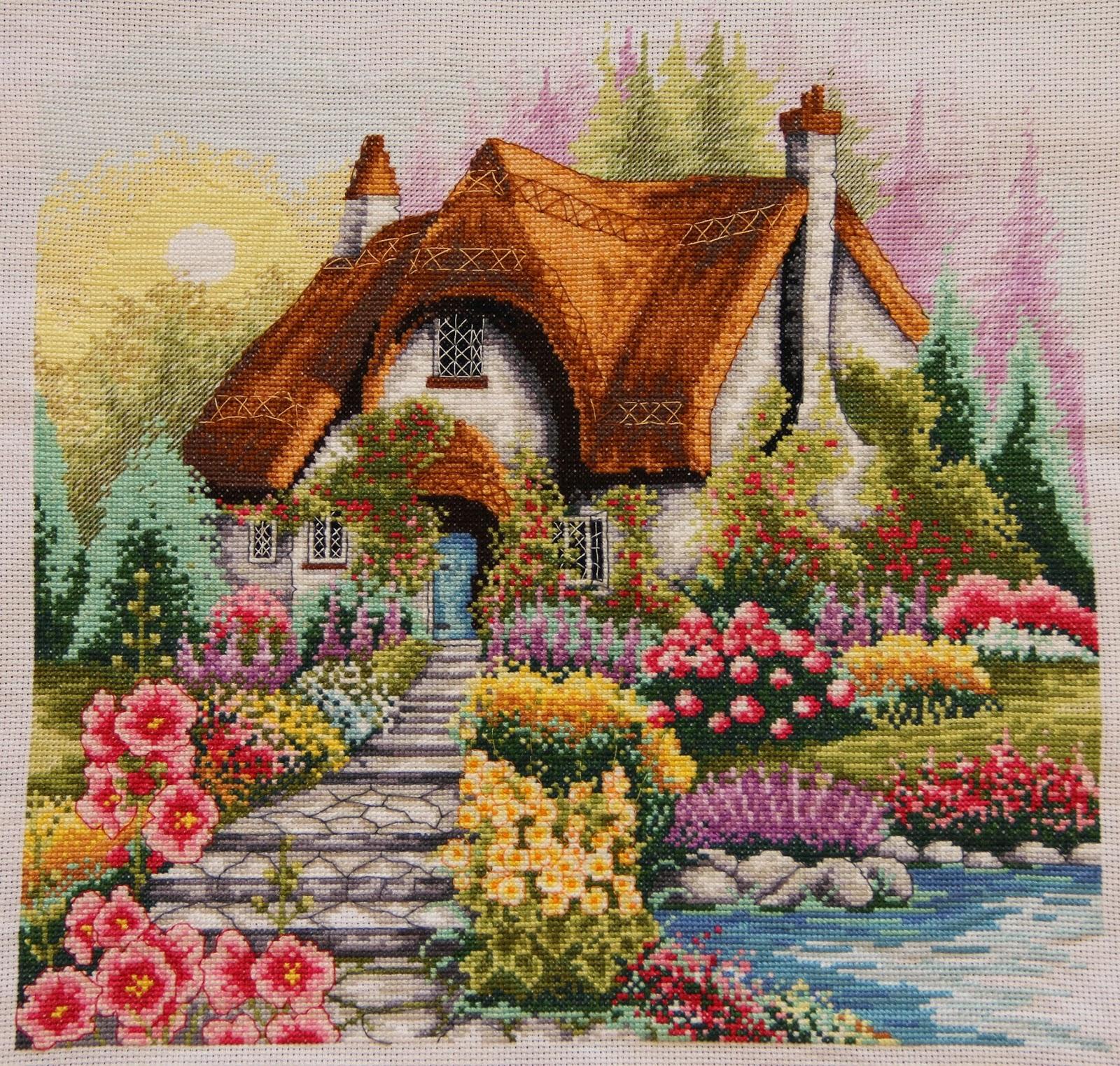 Вышивка домик у озера 20