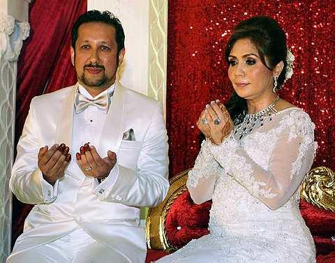 Berkahwin pada 12 Mei 2011 dengan Datuk Joseph King atau nama Islamnya ...