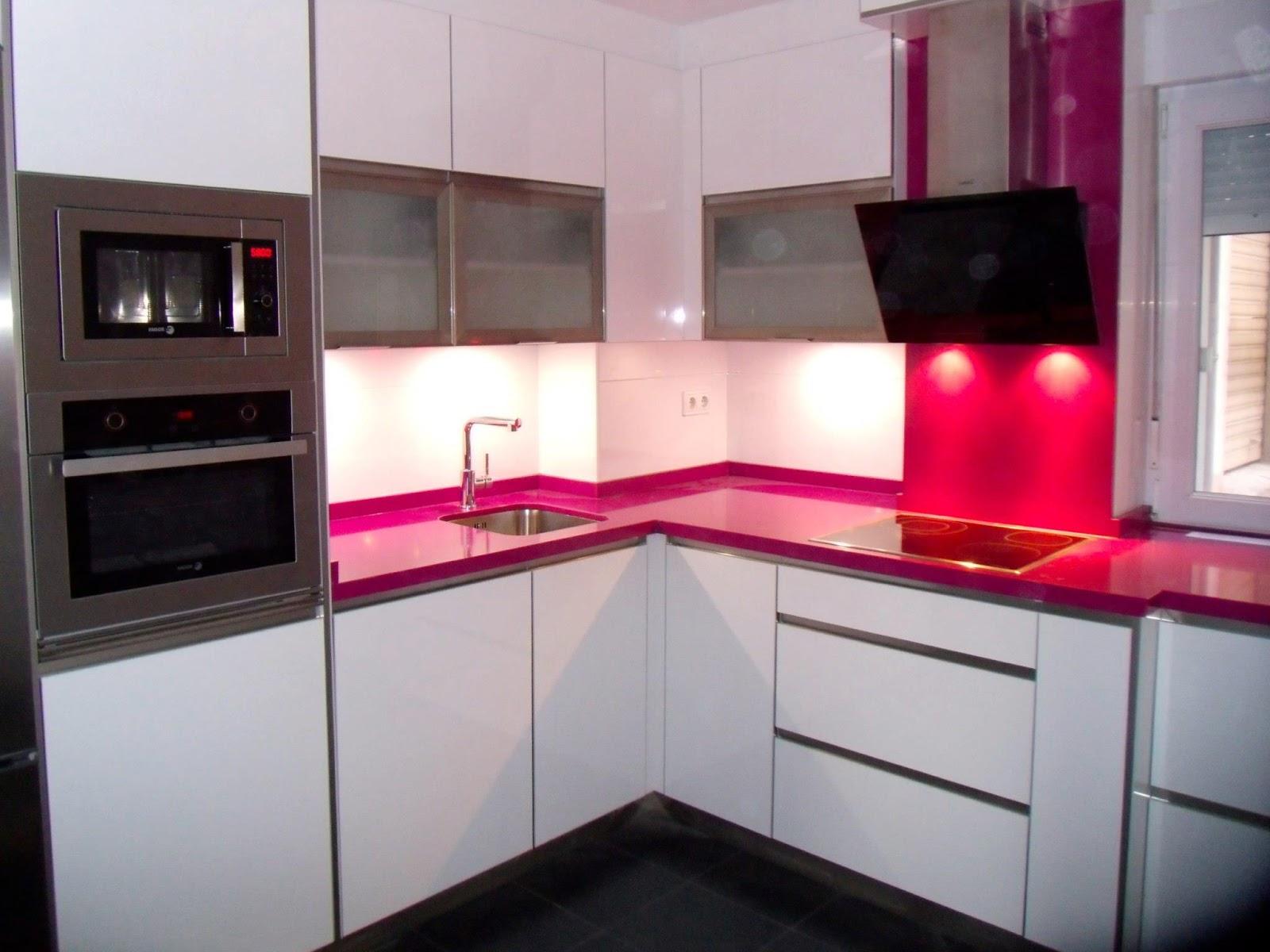 Estudio de cocinas cjr cocina elegante innovadora y - Muebles por modulos ...