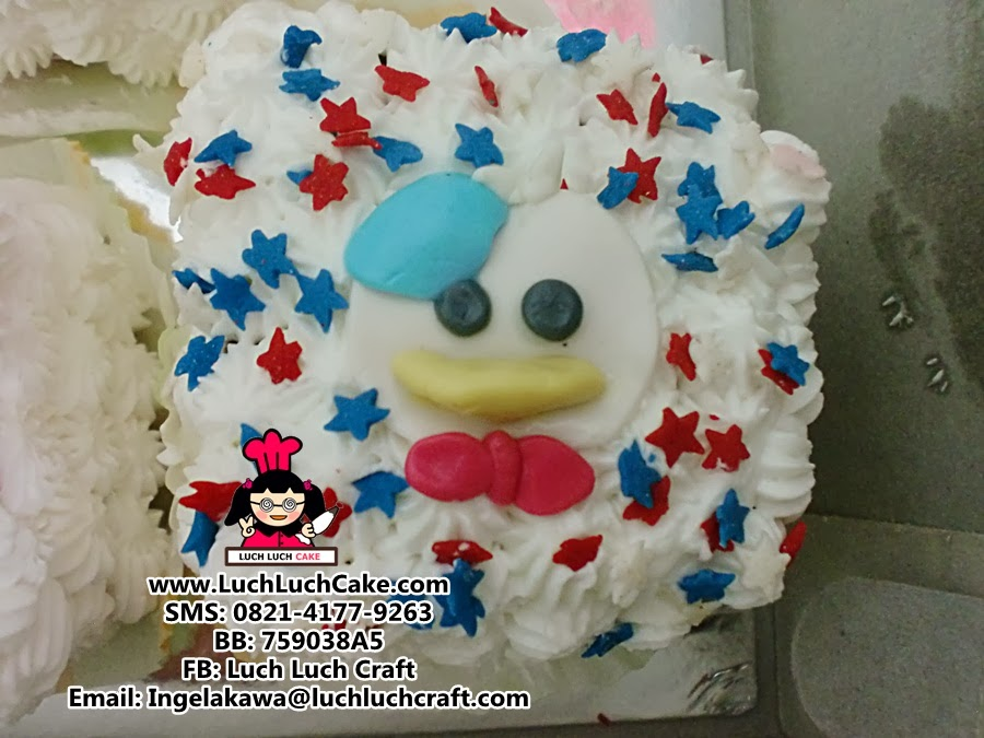 kue tart donald duck
