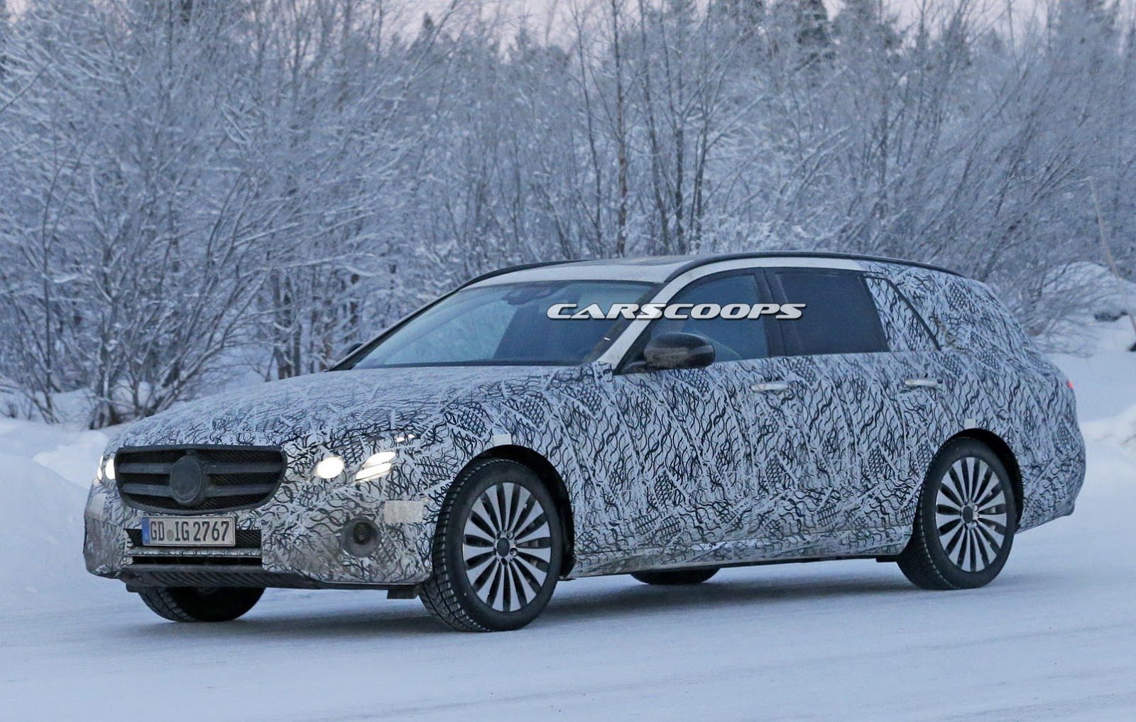 Mercedes v class gets full treatment from carlex design - Spied Mercedes Boots Up New 2017 E Class With Wagon Model