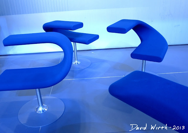 blue ford chair, cool chair, auto show, detroit cars, 2 sided chair