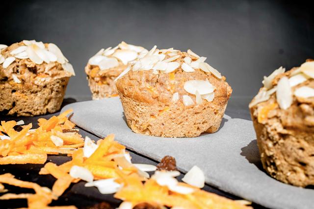Frühstücksmuffins mit Mandeln und Äpfeln Rezept