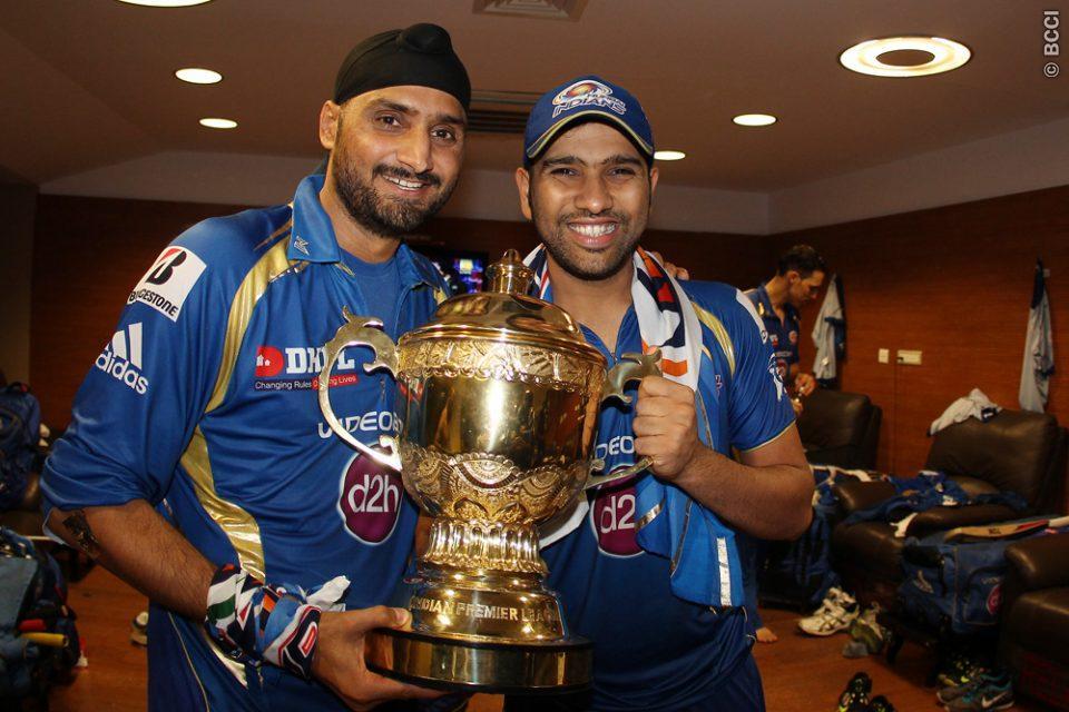 Harbhajan-Singh-Rohit-Sharma-celebrates-MI-Win-IPL-2013