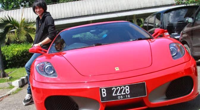 5 Cerita Konyol Mobil Milliaran Rupiah Yang Ringsek Di Jakarta