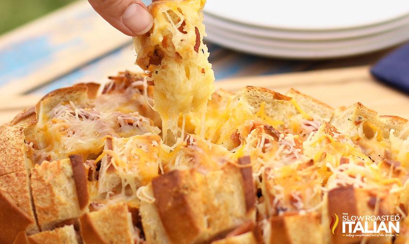 http://www.theslowroasteditalian.com/2012/11/bacon-cheddar-ranch-pull-apart-bread.html