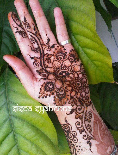 Mehndi Simple Di Telapak Tangan : Henna art simple di telapak tangan makedes