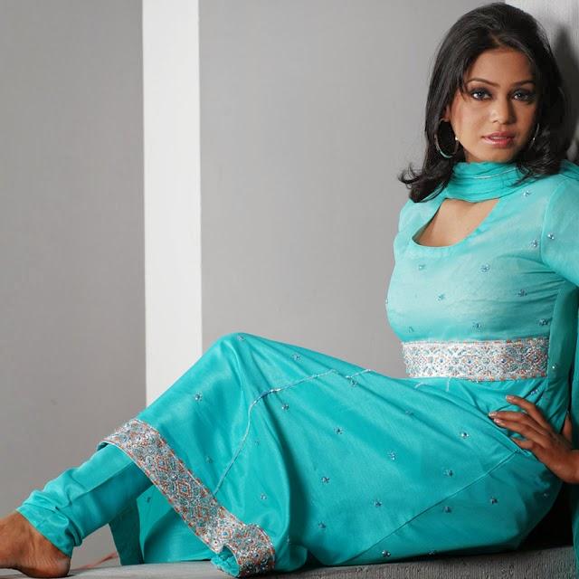 Punjabi Tattoos Posts: Amazing And New Punjabi Suits Dresses In Latest Designs